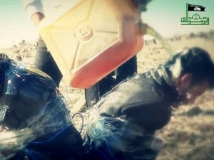 Thế giới - IS tưới xăng xử tử khủng bố al-Qaeda
