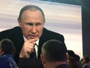 """Putin thách Thổ Nhĩ Kỳ  """" bén mảng """"  không phận Syria"""