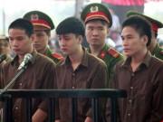 Tin tức trong ngày - Những điểm lạ của phiên tòa xử vụ thảm án ở Bình Phước