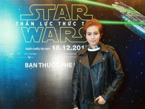 Ngôi sao điện ảnh - Gil Lê lẻ bóng trong buổi công chiếu Star Wars
