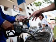 Tin tức trong ngày - Giảm giá đồng loạt các mặt hàng xăng dầu từ 15 giờ