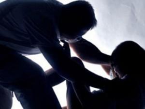 Cảnh giác - Vào nhà trộm, thấy nữ chủ nhà ngủ say nên hiếp dâm