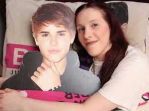Ca nhạc - MTV - Choáng với fan cuồng nhất thế giới của Justin Bieber