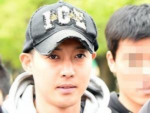 Kim Hyun Joong và bạn gái công bố kết quả ADN con trai
