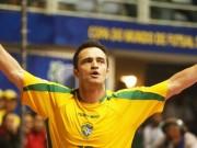 """Bóng đá - Ôm hận vì thách đấu với """"vua futsal"""" Falcao"""