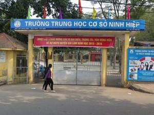 Tin tức Việt Nam - Hàng trăm học sinh bị lôi kéo nghỉ học ở Hà Nội