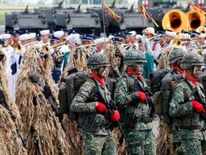 Thế giới - Philippines rầm rộ phô diễn sức mạnh tàu chiến, máy bay