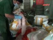 Video An ninh - Bắt hơn 3 tấn thịt lợn thối nghi từ TQ sắp lên bàn ăn