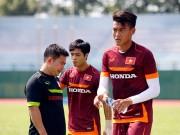 """Tin bên lề bóng đá - U23 VN: """"Bở hơi tai"""" với 20 vòng sân giữa trưa nắng"""