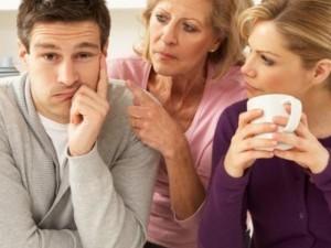 """Bạn trẻ - Cuộc sống - Cách đối phó với mẹ chồng coi con dâu như """"tình địch"""""""
