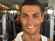 Ngôi sao bóng đá - Sao 360 độ 26/12: Ronaldo hưởng Giáng sinh ở phòng gym