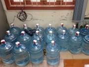 Thị trường - Tiêu dùng - Những hình ảnh sốc về quy trình sản xuất nước Lavie giả