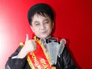 Con trai muốn góp tiền thực hiện tâm nguyện của Hoài Linh