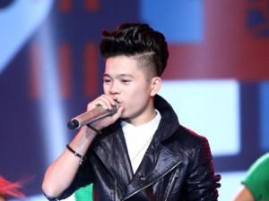 Mặt sau cánh gà - Quang Anh 'The Voice Kids': 'Em đang rất khó khăn'