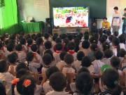 Giáo dục - du học - Nụ cười hồn nhiên của trẻ thơ tại rạp chiếu phim đặc biệt