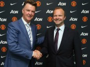 "MU: Ed Woodward bất ngờ  "" cầu xin ""  Van Gaal ở lại"