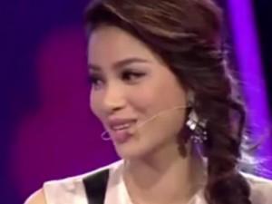 Ca nhạc - MTV - Hoa hậu Phạm Hương hát 'Chờ người nơi ấy' đầy cảm xúc