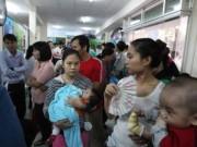 Vắc-xin dịch vụ: Còn khổ dài dài!
