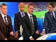 """Bóng đá - Video: Huyền thoại Liverpool liên tục bị """"sàm sỡ"""""""