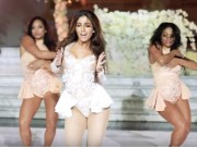 Bạn trẻ - Cuộc sống - Cô dâu gây choáng khi nhảy sexy hết cỡ trong ngày cưới