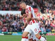 Stoke - Sunderland:  Hàng thải  Liverpool rực sáng