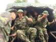 Hàng trăm người băng rừng tiếp cận nơi nghi trực thăng rơi