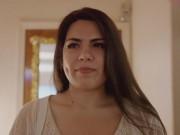 Cô gái Mỹ bán trinh tiết để xây nhà mới cho gia đình