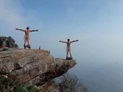 Du lịch - Phượt thủ khỏa thân ở Sơn La khiến dân mạng bất bình