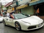 """Ô tô - Ferrari F12 suýt tông trúng Ferrari 488 GTB của Cường """"Đô La"""""""