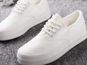 Thêm 2 cách tẩy trắng giày cực nhanh không cần giặt