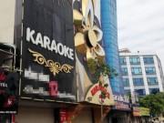 """Cận cảnh những biển quảng cáo karaoke kích thước  """" khủng """""""