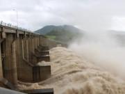 Tin tức trong ngày - Thủy điện xả lũ lớn nhất 7 năm qua, Phú Yên ngập nặng