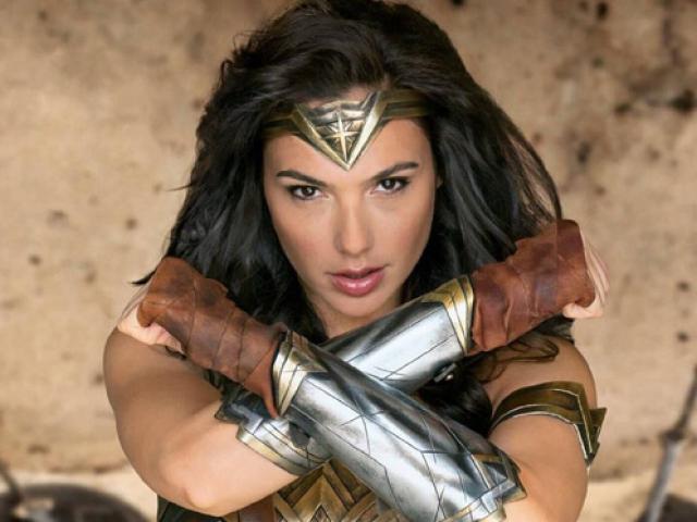 Coi thường Wonder Woman, sao nữ Người Dơi lãnh đủ gạch đá - 5