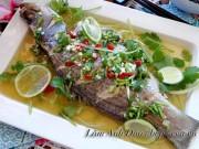 Ẩm thực - Cá hấp chan nước mắm chanh nóng hổi, ngon tuyệt