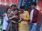Việt Hương khóc như mưa trên truyền hình khi nhắc đến cha