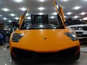 Siêu xe Lamborghini của Minh Nhựa thay màu sơn mới