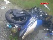 Xe máy đấu đầu xe khách, 3 thanh niên tử vong
