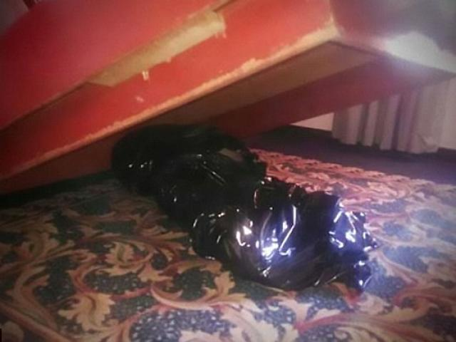 Khách ngủ với xác chết trong khách sạn suốt 1 tuần
