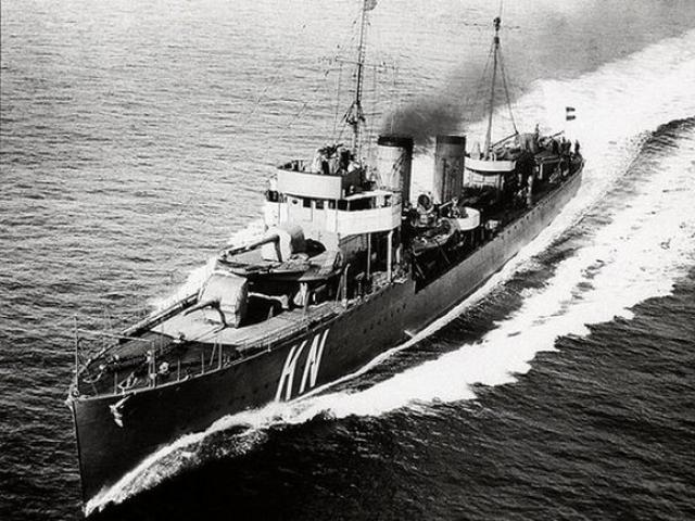 3 chiến hạm từ Thế chiến 2 bị nấu sắt vụn ở Indonesia?