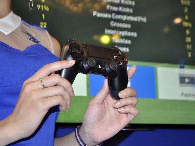 Sony công bố giá bán hệ thống chơi game thực tế ảo PlayStation VR - 3