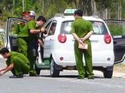 An ninh Xã hội - Hai thanh niên cướp tiền tài xế taxi giữa cánh đồng