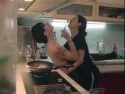 Bạn trẻ - Cuộc sống - Clip cặp đôi vừa nấu ăn vừa nhảy hút 1 triệu lượt xem