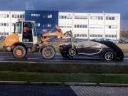 Siêu xe Bugatti Chiron đầu tiên gặp nạn