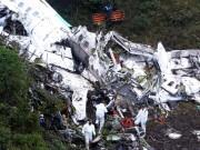 """Máy bay chở đội bóng Brazil rơi:  """" Bi kịch MU """"  thời hiện đại"""