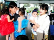4 con của Lý Hải gây chú ý ở sân bay