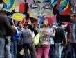 Phụ nữ Venezuela bán tóc mua đồ ăn