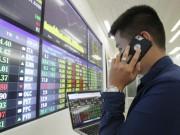 Chứng khoán  dội hàng , giá USD tăng vọt