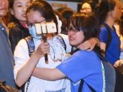 Fan Việt oà khóc khi gặp thành viên Super Junior