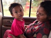 Bé trai Campuchia bị bạo hành giờ ra sao?