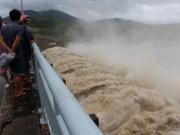 Tin tức trong ngày - Các thủy điện ở Phú Yên đồng loạt xả lũ